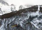 4. Gondole La Grave, Francja. T�czowe gondole dowo�� pasa�er�w z La Grave (1450 m n.p.m.) na szczyt g�ry Meije na wysoko�ci 3200 m n.p.m. Kolejka nie bije natomiast rekord�w pr�dko�ci, przeja�d�ka z La Grave na szczyt zajmuje p� godziny.