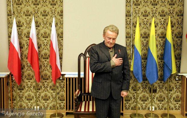 PiS i radni prezydenta zignorowali Olbrychskiego. Cho� to Wi�niewski chcia� go uhonorowa�