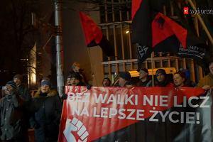 """""""Paryż, Warszawa, wspólna sprawa!"""". Protest Żółtych Kamizelek pod Ambasadą Francji"""
