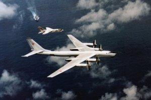 Rosja u�y�a ci�kich bombowc�w strategicznych do atak�w na islamist�w w Syrii. Moskwa wsp�pracuje z Pary�em