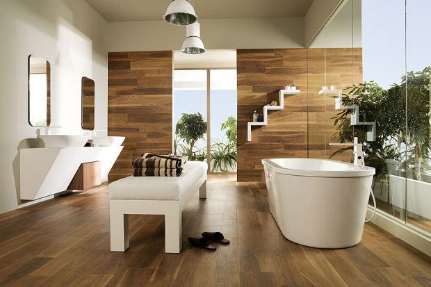 Czym wyłożyć podłogę w łazience? Czy płytki to jedyne rozwiązanie?