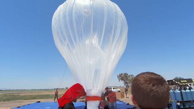Balony zasilane są bateriami słonecznymi. Podczepiono pod nie skomplikowaną elektronikę i system anten.