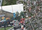 Groźny wypadek w centrum Krakowa. Zderzyły się tramwaj, autobus, osobówka i bus