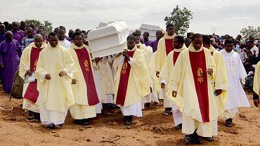 Pogrzeb ofiar kwietniowego ataku na kościół w nigeryjskim stanie Benue, 22 maja 2018 r.