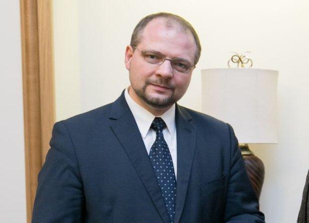 Wiceminister spraw zagranicznych zwolniony z funkcji. Na jego odwołanie miał naciskać sam Kaczyński