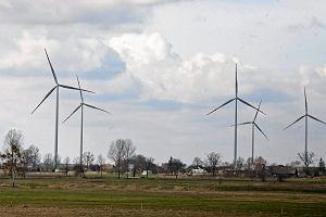 Rząd poparł projekt PiS: Trudniej postawić wiatrak niż elektrownię węglową