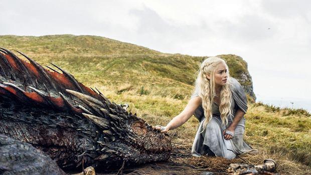 Emilia Clark jako Daenerys Targaryen w 'Grze o tron'