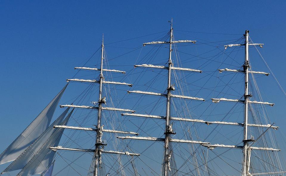 صور السفينة الشراعية الجزائرية  [ الملاح 938 ] - صفحة 6 Z22121827V,Zaglowiec--El-Mellah--zbudowany-przez-stocznie-Rem