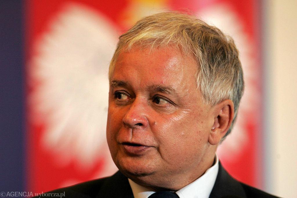Zdjęcie numer 1 w galerii - Al. Lecha Kaczyńskiego w Warszawie. Decyzją wojewody zastąpi al. Armii Ludowej