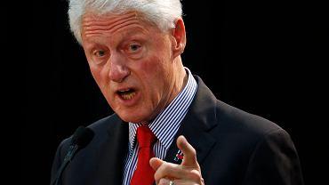 Bill Clinton podczas przemówienia w New Jersey