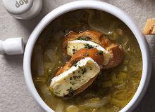 Zupa selerowo-porowa z grzankami - ugotuj