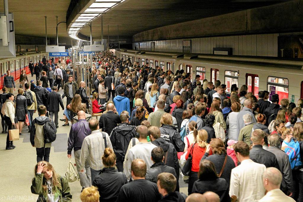 Ogromne utrudnienia w metrze [zdjęcie ilustracyjne]