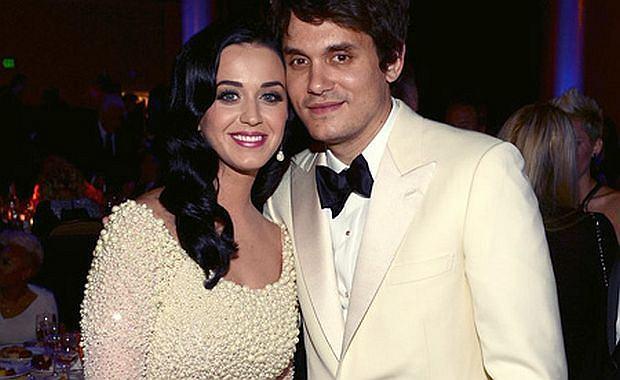 """John Mayer w ramach promocji swojego nadchodzącego albumu wypuścił nową piosenkę zatytułowaną """"Still Feel Like Your Man"""", która, jak się okazuje, skierowana jest do jego byłej dziewczyny, Katy Perry."""