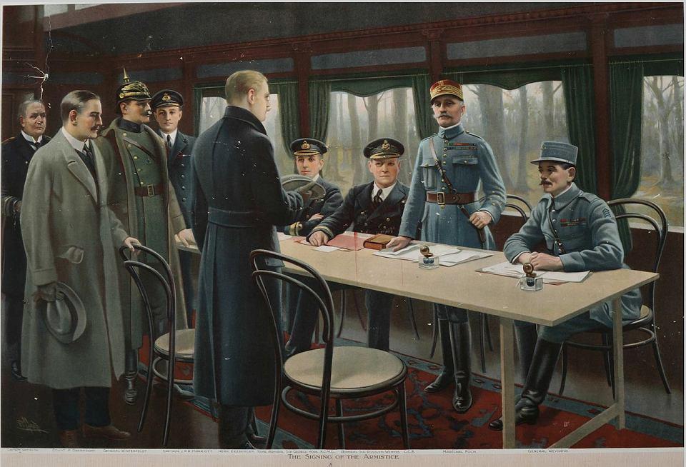Rozejm w Compiegne - kończący I wojnę światową układ rozejmowy pomiędzy Ententą i Cesarstwem Niemieckim, uzgodniony w poniedziałek 11 listopada 1918 o godzinie 5:12 i podpisany o 5:20 rano w wagonie kolejowym w lesie Compiegne