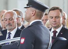 """""""Oszczerstwa, k�amstwa, brudne ataki"""". Prezydent Duda i Macierewicz na �wi�cie Lotnictwa"""