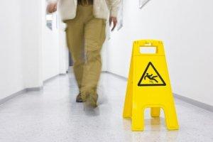 Upadki u senior�w: jak zapobiega� oraz minimalizowa� ich skutki