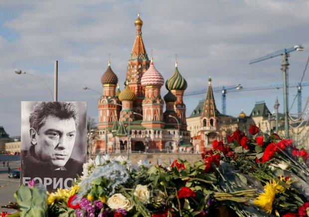 Kolejne zatrzymania w sprawie zab�jstwa Niemcowa. Jeden z podejrzanych pope�ni� samob�jstwo