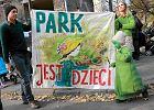 W 2011 roku mieszkańcy Powiśla ostro protestowali przeciwko zagrodzeniu dawnego jordanka