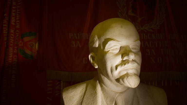 17 kwietnia Lenin ogłosił swoje tezy
