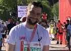 Jaki wystartował w Warsaw Marathon i namawia: Biegajcie z nami. Internet pamięta, co mówił wcześniej