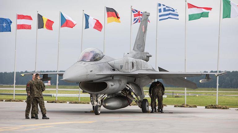 Samolot bojowy F-16