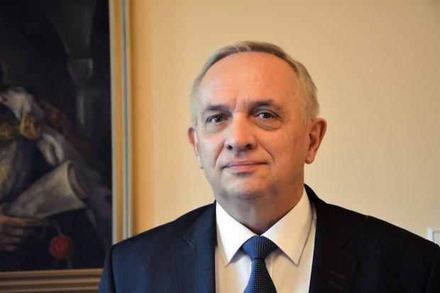 Komisarz Radomska Wies�aw Kami�ski