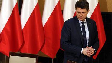 """""""Gazeta Polska"""" doniosła, że Ryszard Petru pracował dla rosyjskiego Głównego Zarządu Wywiadowczego... gdy miał 12 lat."""