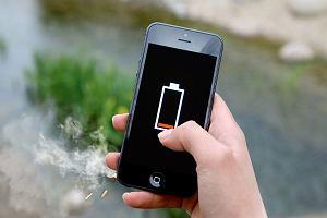 Apple odda 240 zł niektórym właścicielom iPhone'ów. Pieniądze same do nich wrócą