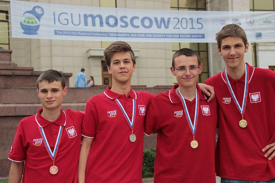 Medaliści międzynarodowej olimpiady geograficznej.