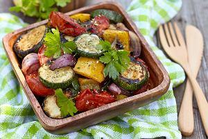Na czym polega dieta dr Ewy Dąbrowskiej i dlaczego warto ją stosować? Poznaj post, który leczy!