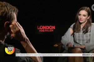 """Anna Wendzikowska rozmawia z Aaronem Eckhartem. TO pytanie bardzo go rozbawiło. """"Masz rację!"""""""