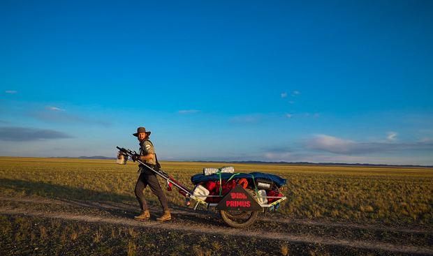 Zdjęcie numer 3 w galerii - Mateusz Waligóra przeszedł samotnie pustynię Gobi jako pierwszy w historii