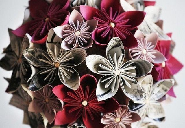 Kwiaty z drukowanego papieru
