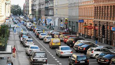 Po wprowadzeniu ruchu jednokierunkowego liczba aut na Jagiellońskiej praktycznie nie zmalała