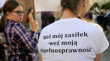 Protest solidarności z niepełnosprawnymi protestującymi w Sejmie