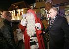Mikołaj z Laponii jak papuga, mówi też po polsku. Witały go tłumy [ZDJĘCIA, WIDEO]
