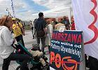 Podpisy pod wnioskiem o referendum za odwołaniem prezydent Warszawy zbiera Solidarna Polska. Ugrupowanie to wraz z Ruchem Palikota wspiera inicjatywę referendalną Warszawskiej Grupy Samorządowej, której jednym z liderów jest burmistrz Ursynowa Piotr Guział