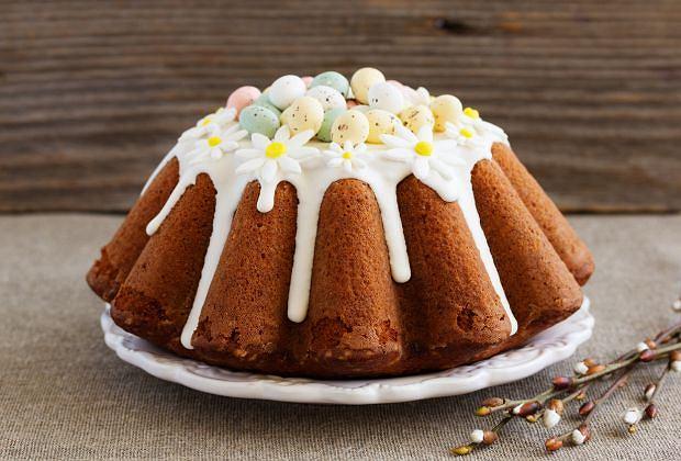 Ciasta na Wielkanoc - co zrobić, żeby mazurek, sernik i babka na pewno się udały? [PORADNIK]