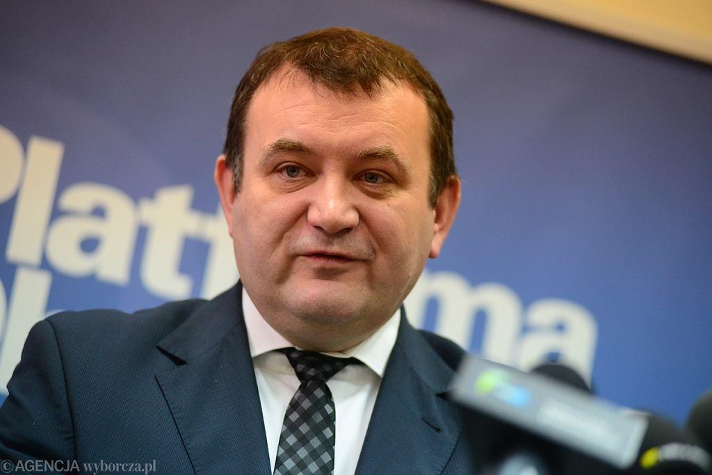 Stanisław Gawłowski wyszedł z aresztu. Żąda od prokuratury, żeby ujawniła dokumenty dot. jego spawy