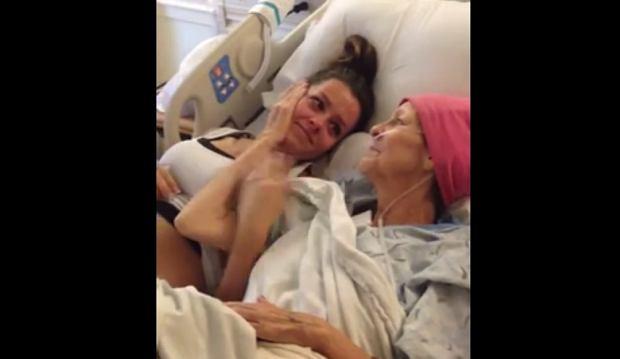 Umieraj�ca kobieta poznaje p�e� swojego wnuka [WZRUSZAJ�CE WIDEO]