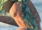 Zmora cellulitu dosi�gn�a nawet najwi�ksz� seksbomb�! Te nogi nale�� do naprawd� znanej gwiazdy
