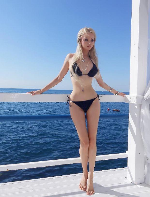 Żywa Barbie oszukuje i obrabia swoje zdjęcia w Photoshopie?!