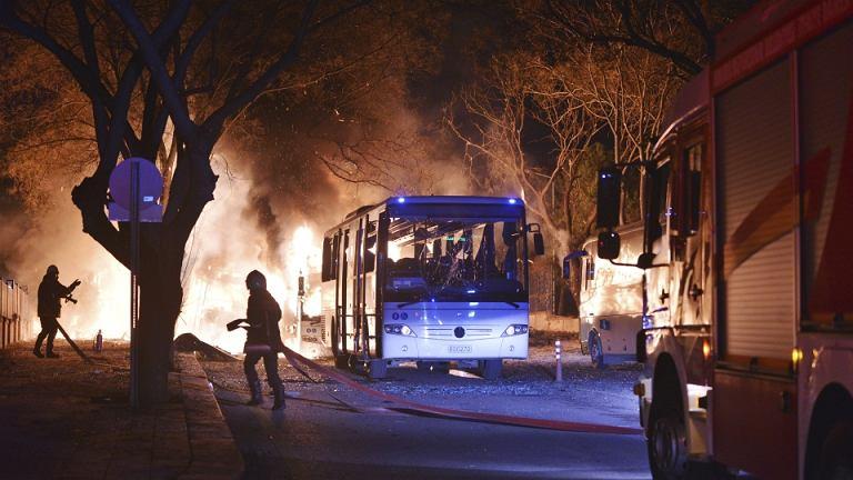Celem zamachowców były autobusy przewożące wojskowych