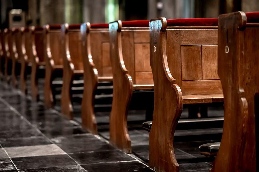 Na niedzielną mszę chodzi 36,7 proc. zobowiązanych do tego katolików