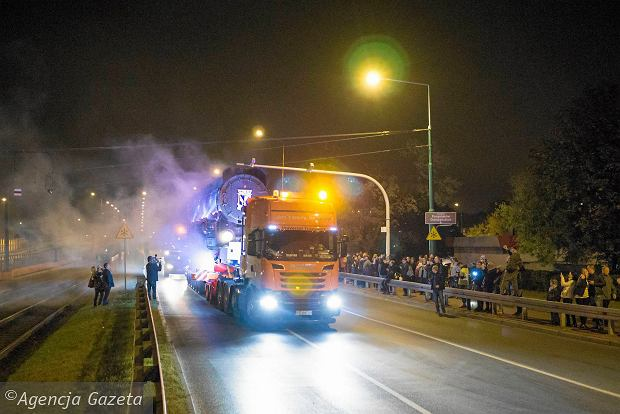 Zdjęcie numer 33 w galerii - Lech Poznań ma już swoją lokomotywę. Parowóz stanął przed stadionem przy Bułgarskiej