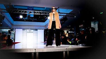 Autorskim pokazem mody projektantek związanych z Kielcami: Ewy Łukawskiej, Agaty Kuliczkowskiej, Moniki Pawelec, Justyny Gamoń-Wesołowskiej, Kingi Goli i Aleksandry Jendryki rozpoczęła się dziewiętnasta edycja Międzynarodowego Konkursu dla Projektantów i Entuzjastów Mody Off Fashion.