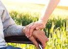Opiekunowie osób niepełnosprawnych dostaną pomoc po śmierci podopiecznego, ale dopiero w przyszłym roku