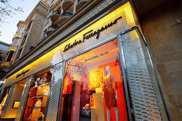 Luksusowy sklep marki Salvatore Ferragamo w Baku, Azerbejdżan