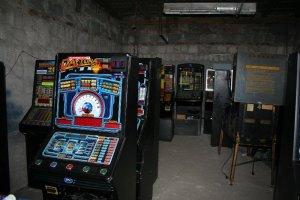 Z�odzieje ukradli a� 28 automat�w do gier [ZDJ�CIA]
