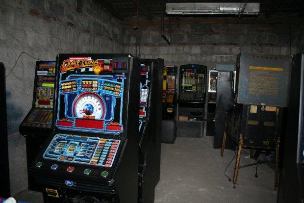 Złodzieje ukradli aż 28 automatów do gier [ZDJĘCIA]